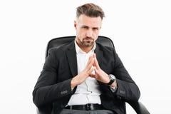El retrato de un hombre de negocios maduro serio se vistió en traje Imagen de archivo