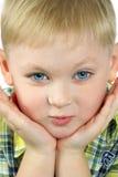 El retrato del muchacho imagenes de archivo