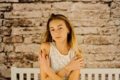 El retrato horizontal del adolescente rubio joven Imagen de archivo libre de regalías