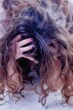 El retrato psicol?gico de la mujer depresiva triste siente p emocional fotos de archivo