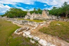El Rey玛雅废墟视图  库存图片