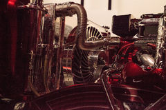 El Rey糖果由艺术家Al上色了驾驶低底盘汽车兜风者1963年雪佛兰因帕拉 免版税库存照片