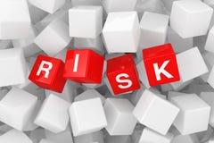 El riesgo rojo cubica en el montón de los cubos en blanco blancos representación 3d fotografía de archivo libre de regalías