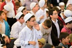 El ritual de la mezquita de Fatih de la adoración se centró en el rezo, Estambul, Tur Foto de archivo