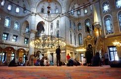 El ritual de la mezquita del sultán de Eyup de la adoración se centró en el rezo, Istanbu Fotos de archivo libres de regalías