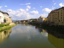 El río de Arno Fotografía de archivo libre de regalías