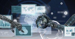 El robot da obrar recíprocamente con los paneles del interfaz de la tecnología que sostienen el globo del mundo Imagenes de archivo