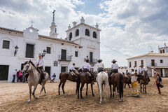 EL ROCIO, ANDALOUSIE, ESPAGNE - 22 mai : Romeria après visite du sanctuaire va au village Photo libre de droits