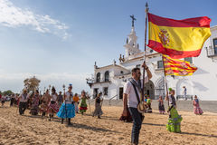 EL ROCIO, ANDALOUSIE, ESPAGNE - 22 mai : Romeria après visite du sanctuaire va au village Photographie stock libre de droits