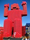 El rojo crea al hombre del estilo del lego que la Coca-Cola crea Fotos de archivo libres de regalías