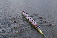 El rowing de los E.E.U.U. compite con en el jefe del campeonato Eights de Charles Regatta Men Fotos de archivo libres de regalías