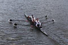 El rowing de los E.E.U.U. compite con en el jefe del campeonato Fours de Charles Regatta Men Fotografía de archivo libre de regalías