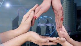 El ` s de los hombres, el ` s de las mujeres y las manos del ` s de los niños muestran una advertencia del holograma metrajes