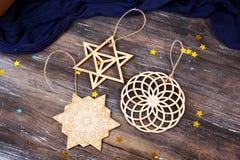 El ` s del Año Nuevo juega de la geometría del árbol de la figura Imagenes de archivo