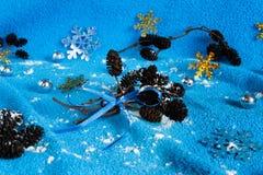 El ` s del Año Nuevo juega en un fondo azul Fotografía de archivo libre de regalías