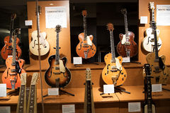 El salón de la fama de la música country en Nashville Tennessee los E.E.U.U. formó como un teclado de piano del vuelo fotos de archivo libres de regalías