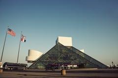 El salón de la fama y el museo del rock-and-roll imagenes de archivo