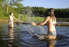 El salpicar del agua Fotos de archivo