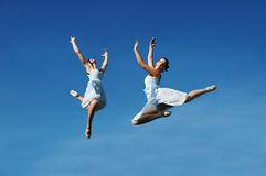 El salto de las bailarinas Fotos de archivo