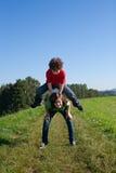 El salto de los cabritos al aire libre Imagenes de archivo
