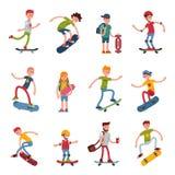 El salto urbano que anda en monopatín del skater de la gente del active extremo activo joven del deporte engaña el ejemplo del ve Imagen de archivo libre de regalías