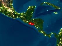 El Salvador en rojo en la noche Imagenes de archivo