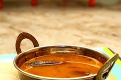 El Sambar Iddli es un desayuno tradicional de hogares indios del sur, su un plato sabroso muy popular de la cocina india del sur Imagen de archivo libre de regalías