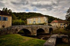 El Santo-Jean-de-col es un pueblo medieval en el norte de la Dordoña, Francia Foto de archivo