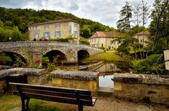 El Santo-Jean-de-col es un pueblo medieval en el norte de la Dordoña, Francia Fotografía de archivo
