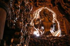 El santuario de la verdad es una construcción del templo en Pattaya, el santuario de Thailand El santuario es un edificio de la t imagen de archivo