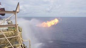 El señalar por medio de luces bien de la operación de prueba de un aparejo de la perforación petrolífera de petróleo y gas almacen de metraje de vídeo
