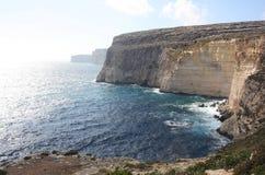 El seacliff en TA Cenc en Gozo Malta imagenes de archivo