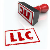 El sello de LLC Limited Liability Corporation pone letras a la aprobación Certifi Foto de archivo libre de regalías