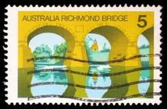 El sello impreso en Australia muestra Australia Richmond Bridge imagen de archivo libre de regalías
