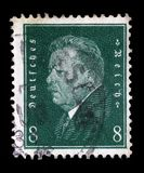 El sello impreso en el Reich alemán muestra a Friedrich Ebert foto de archivo
