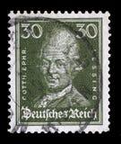 El sello impreso en el Reich alemán muestra la imagen de Gotthold Ephraim Lessing foto de archivo libre de regalías