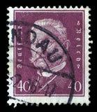 El sello impreso en el Reich alemán muestra a Paul von Hindenburg Fotos de archivo libres de regalías