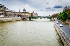 El Sena, París foto de archivo