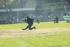 El servicio policial surafricano - policías en la acción Imágenes de archivo libres de regalías