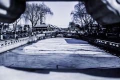 El Shichahai congelado en Pekín, China Foto de archivo