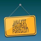 El significado de Financial Forecast Concept del analista del texto de la escritura estima los resultados financieros futuros de  libre illustration