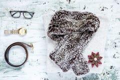 El sistema de accesorios forma la ropa considerada desde arriba, visión superior Fotos de archivo libres de regalías
