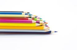El sistema de color dibujó a lápiz en el backgroundSet blanco de los lápices enselvados del color en el fondo blanco Imágenes de archivo libres de regalías