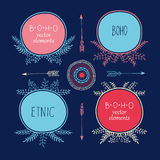 El sistema de estilo creativo de Boho capítulo a Mady por étnico Flechas y elementos florales Imagenes de archivo