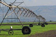 El sistema de irrigación de la cosecha Fotografía de archivo