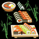 El sistema de japonés rueda en una sopa del tablero y de miso encendido Fotos de archivo