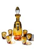 El sistema de jarra y de seis vasos de medida para las bebidas espirituosas Fotos de archivo libres de regalías