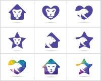 El sistema del diseño del logotipo del león, los iconos animales del vector de la fauna colorida, león polivinílico bajo en coraz Fotografía de archivo libre de regalías