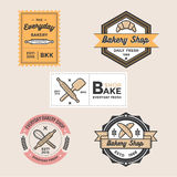 El sistema del logotipo retro de la tienda de la panadería del vintage badges el emblema y las etiquetas vector la plantilla Foto de archivo