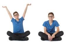 El sistema del muchacho lindo del adolescente sobre blanco aisló el fondo Fotos de archivo libres de regalías